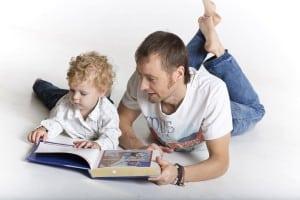 dad reading son