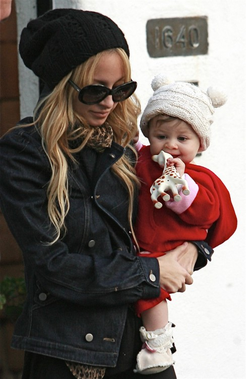 Nicole Richie And Harlow Leaving Playdate