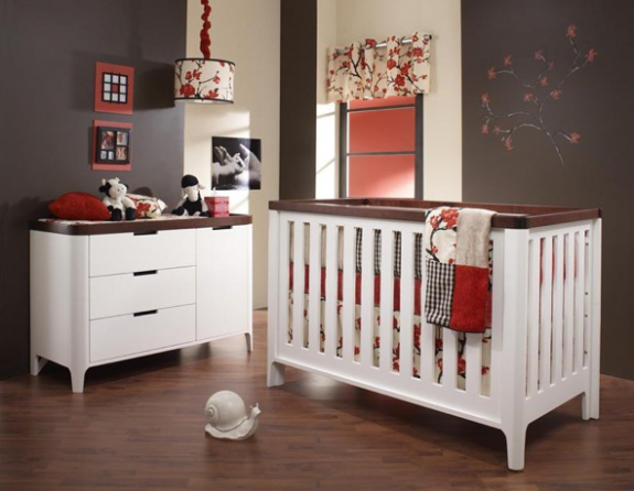 "piccolo ""4-in-1"" convertible crib"