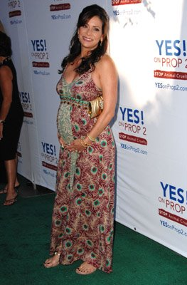pregnant Constance Marie arrives at Yes!