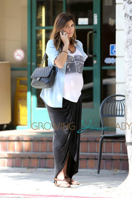 Mommy-to-be Jamie Lynn Sigler makes a call after a doctor's appointment